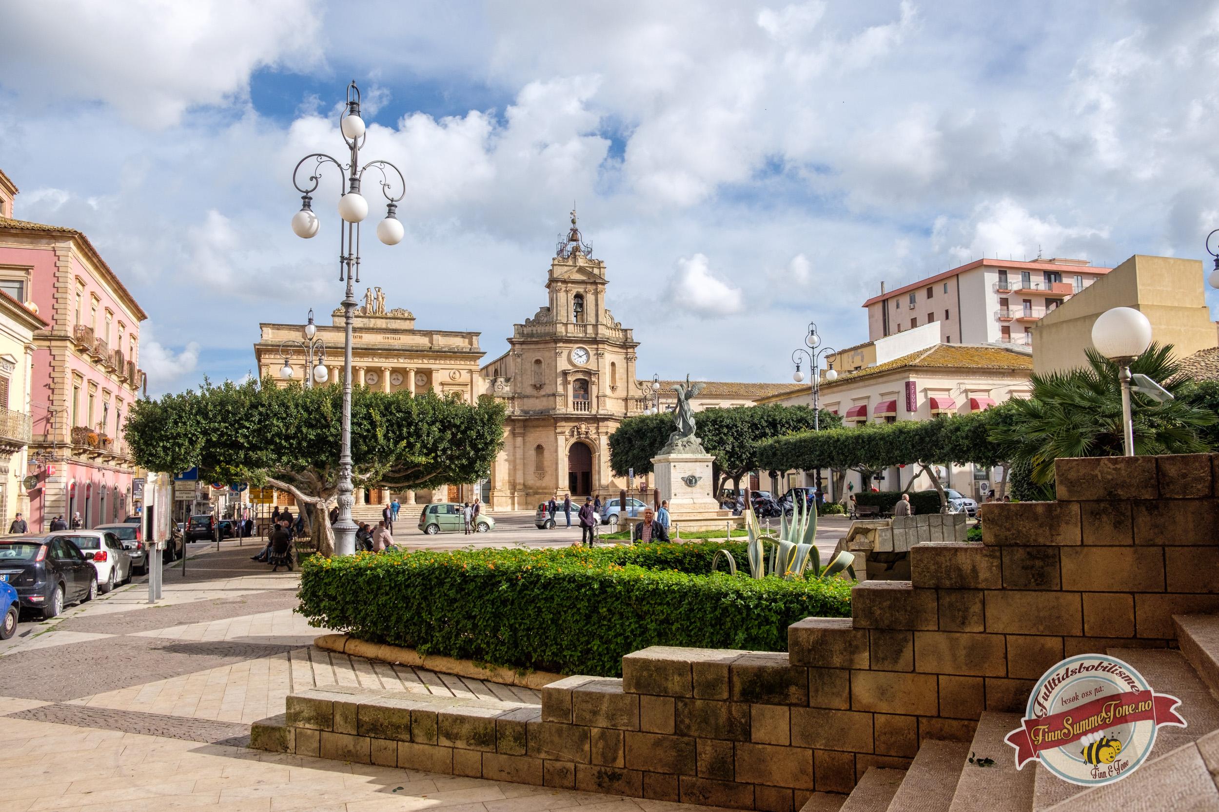 Med bobil på Sicilia – Del 6 – Camping Scarabeo og marked i Vittoria